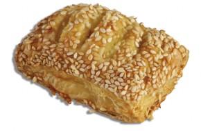 Mini sesame pies with Gouda & Edam cheese